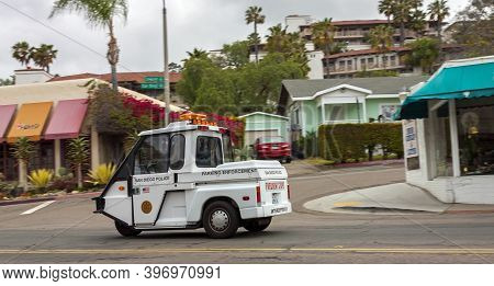 San Diego, America - April 25, 2014:police Car While Driving On The Street Of San Diego,california,a