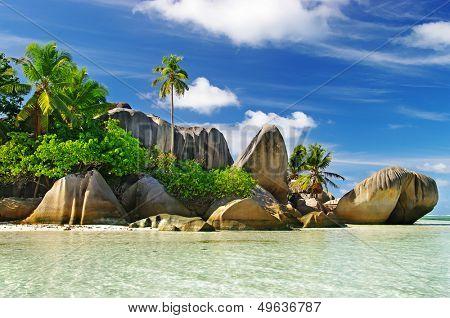 granite rocky beaches on Seychelles islands- La digue