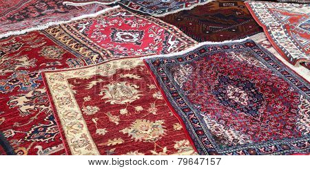 Sale Of Fine Oriental Rugs Hand Knotted