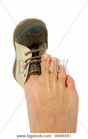 Big Foot Small Shoe