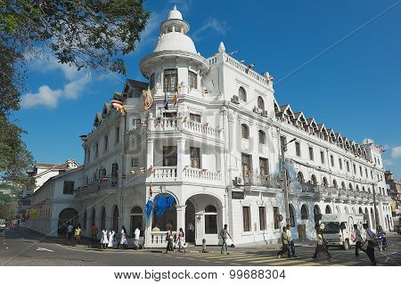 Exterior of the historical building of the Queen's hotel in Kandy, Sri Lanka.