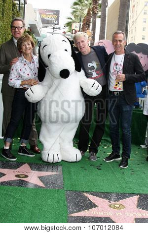 LOS ANGELES - NOV 2:  Paul Feig, Jean Schultz, Snoopy, Craig Schultz, Steve Martino at the Snoopy Hollywood Walk of Fame Ceremony at the Hollywood Walk of Fame on November 2, 2015 in Los Angeles, CA