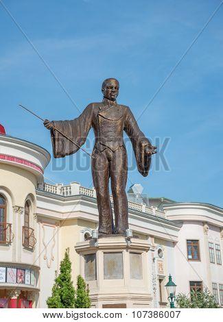 Statue Of Basilio Calafati - Vienna, Austria