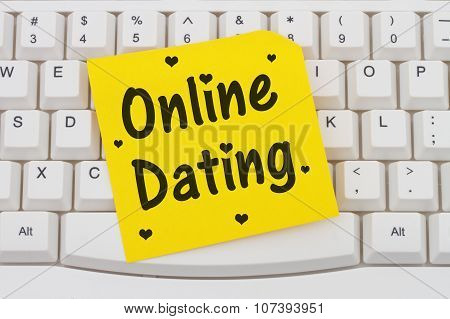 Online Dating, Computer Keyboard And Sticky Note