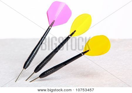 Three Isolated Darts Arrows