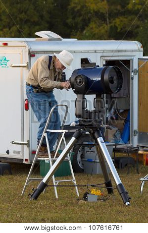 Amature Astronomer Calibrates Telescope