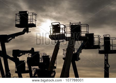 Cherry pickers articulated lifting platforms