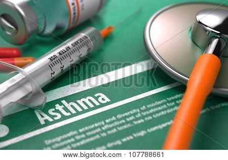 Asthma. Medical Concept on Green Background.