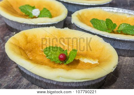 Golden Brown Plain Cheese Cake