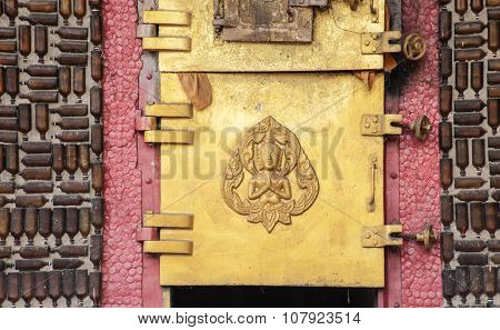 Glass Bottle Temple Khunhan Thailand Asian Temples Buildings And Culture Crematorium Door