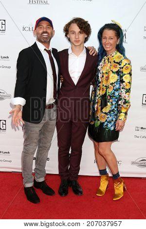 LOS ANGELES - SEP 30:  Doug Oleff, Wyatt Oleff, Jennifer Oleff at the Catalina Film Festival - September 30 2017 at the Casino on Catalina Island on September 30, 2017 in Avalon, CA