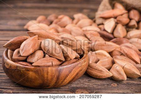 Pili Nuts