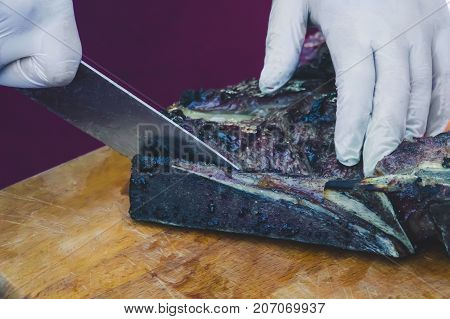 Cook In White Gloves Clean Cut Grilled Marble Beef