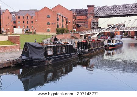 Manchester Houseboats