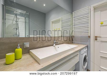 Beautiful Bathroom With Big Mirror
