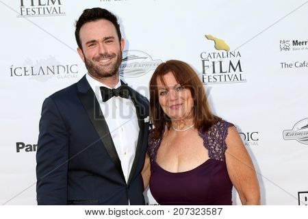 LOS ANGELES - SEP 30:  Jake Taylor, mom at the Catalina Film Festival - September 30 2017 at the Casino on Catalina Island on September 30, 2017 in Avalon, CA