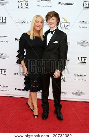 LOS ANGELES - SEP 30:  Michelle Fuller, Harrison Fuller at the Catalina Film Festival - September 30 2017 at the Casino on Catalina Island on September 30, 2017 in Avalon, CA
