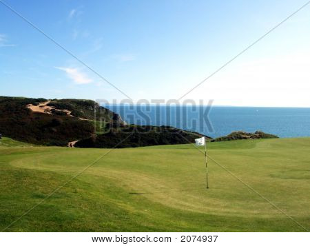Golf On The Cliffs