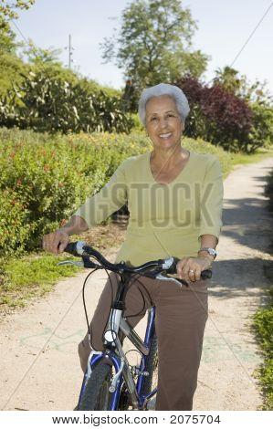 Senior Lady Cycling