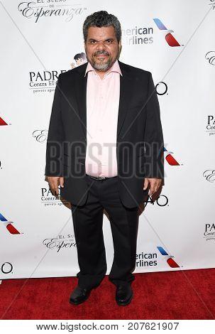 LOS ANGELES - SEP 24:  Luis Guzman arrives for the 'El Sueno De Esperanza' Celebration on September 24, 2017 in Hollywood, CA