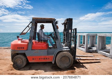 The Forklift  Working On  The Transport Barge.