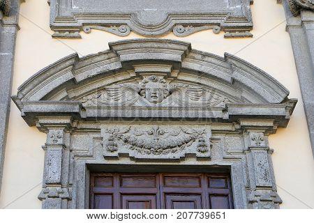 The church of Santa Teresa in Caprarola - Details