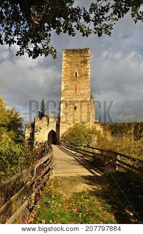 Beautiful Autumn Landscape In Austria With A Nice Old Ruin Of Kaja Castle. National Park Thaya Valle