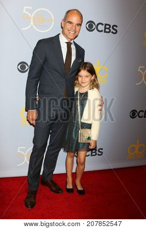 LOS ANGELES - OCT 4:  Michael Kelly, Frankie Kelly_ at the Carol Burnett 50th Anniversary Special Arrivals at the CBS Television City on October 4, 2017 in Los Angeles, CA