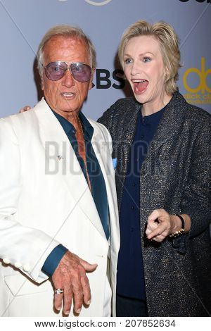 LOS ANGELES - OCT 4:  Pat Boone, Jane Lynch at the Carol Burnett 50th Anniversary Special Arrivals at the CBS Television City on October 4, 2017 in Los Angeles, CA