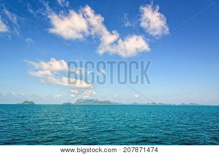 Beautiful natural seascape of the sea under bright blue sky in summer overlooking the horizon at Mu Ko Ang Thong National Marine Park is a famous tourist destination Surat Thani province Thailand.