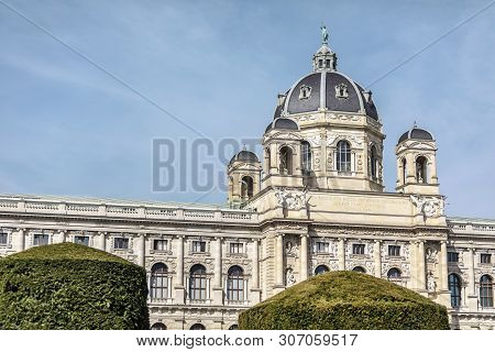 Viena, Austria - March 18, 2019: Exterior Of One Of The Most Beautiful Building In Vienna - The Kuns