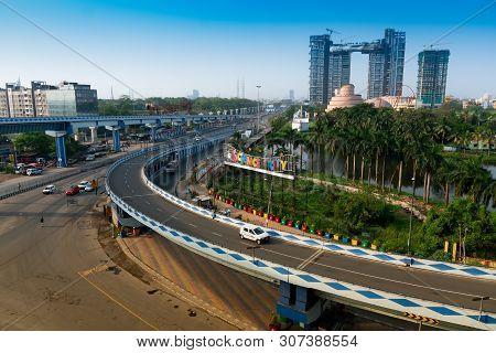 Kolkata, West Bengal, India - January 1st 2016 : Parama Island Flyover, Popularly Known As Ma Or Maa