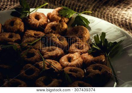Tarallini Tarallo Taralli Italian Drying Bagels In Rustic Style