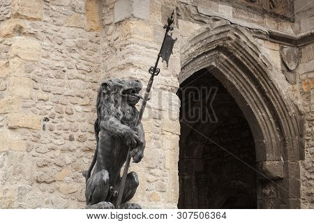 Lion Statue, Bargate. It Is A Medieval Gatehouse In The City Of Southampton, England. Constructed In