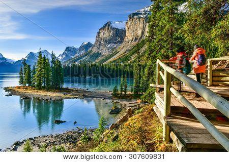 Panorama View Beautiful Spirit Island In Maligne Lake,jasper National Park, Alberta, Canada