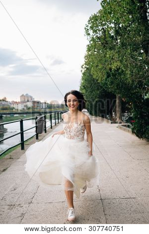 Charming Bride Runs Along The River To Meet Her Fiance