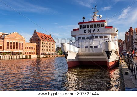 Gdansk, Poland - June 22, 2019: Ferry Tram On The Motława River In The Old City Of Gdansk