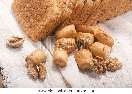 bread, hardtack and walnut