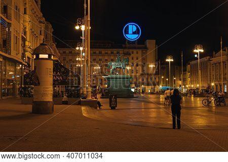 Zagreb, Croatia - Aug 9, 2020: Jelacic Square At Night In Zagreb Town Center
