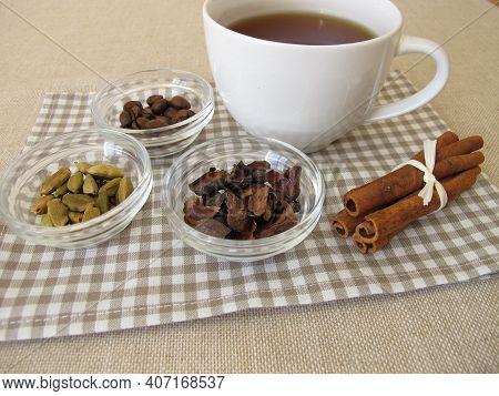 Ayurvedic Spice Coffee Chai - Tea With Coffee, Cocoa Bean Shells, Cinnamon And Cardamom