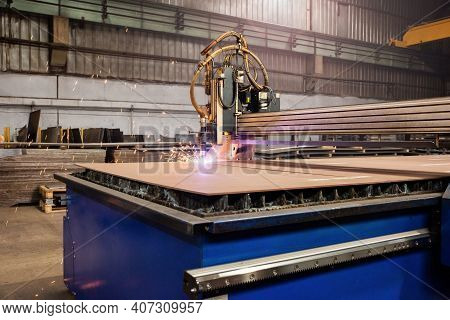 Computer Numerically Controlled Cnc Metal Laser Cutting Machin