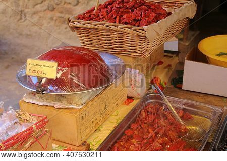 Sicilian Sun-dried Tomatoes, Sun-dried Tomatoes In Oil, Tomato Extract, Dense Tomato Puree, Concentr