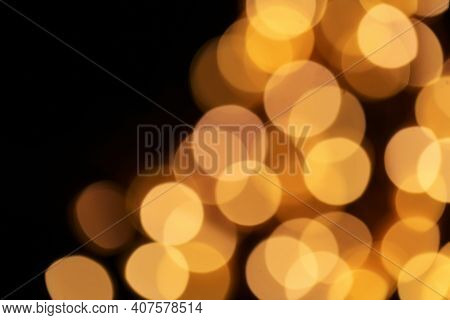Wallpaper Shining Glitter.gold Glitter Macro Background With Shining Bokeh On A Black Background. Sh