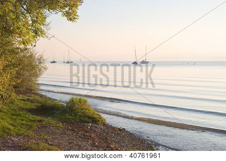 Boote in Ruhe am Ammersee