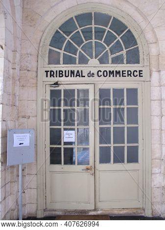 Bordeaux , Aquitaine France - 02 05 2021 : Tribunal De Commerce Text In French Means Commercial Cour