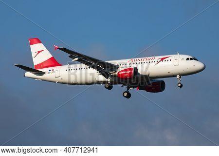 Vienna, Austria - April 6, 2018: Austrian Airlines Airbus A320 Oe-lxb Passenger Plane Arrival And La