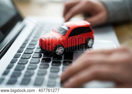 Buy Sell Online Car Insurance On Computer