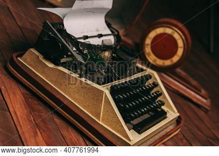 Vintage Journalist Typewriter Retro Style Nostalgia Technology