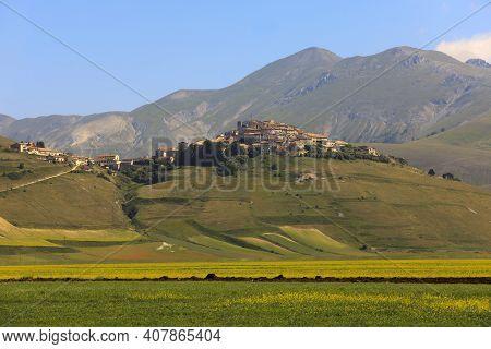 Norcia (pg), Italy - May 25, 2015: Castelluccio Di Norcia Village, Highland Of Castelluccio Di Norci