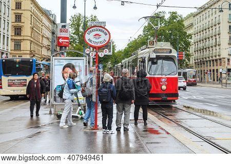 Vienna, Austria - May 16, 2019: This Is A Tram Stop On The Main Street Of The City On A Rainy Spring
